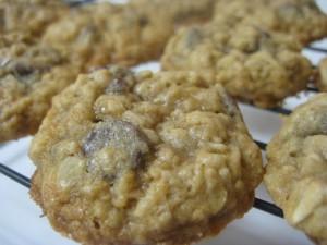 Vanishing Oatmeal Cookies - Dont Waste The Crumbs