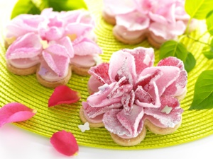 Floral Cookies - 21st Century Housewife