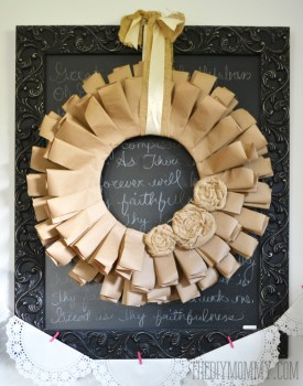 Brown-Paper-and-Burlap-Recycled-Fall-Wreath