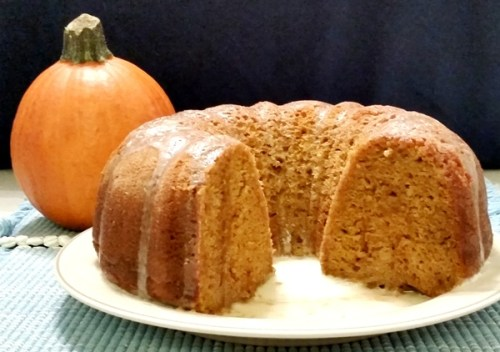 1-Pumpkin-Spice-Bundt-Cake-With-Vanillla-Butter-Sauce-For-Rent.Com-600-423