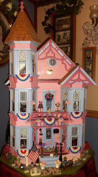 Patriotic Doll House