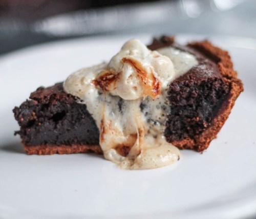 Molten Chocolate Brownie Smores Pie