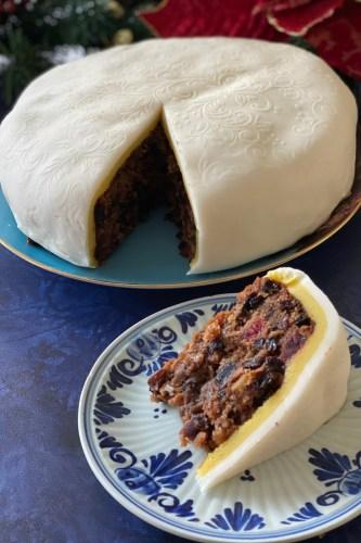 Old-Fashioned-Christmas-Cake