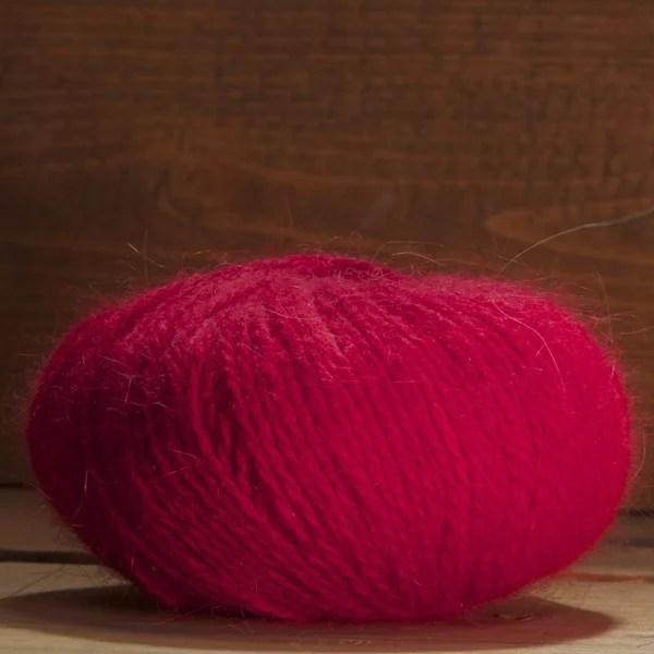 Pelote angora et mérinos «Caline» couleur Rubis