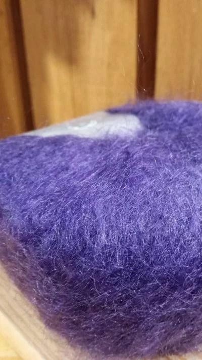 CARESSE Pelote pur mohair de chevreau Prunelle