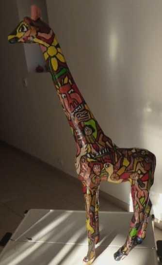 la belle girafe pleine de couleurs