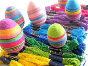 fir textil - 17 modalitati creative de a decora ouale de Paste