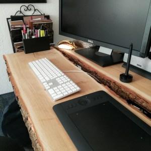 DIY Höhenverstellbaren Schreibtisch aus Holzbohlen selber bauen | Creative-Material