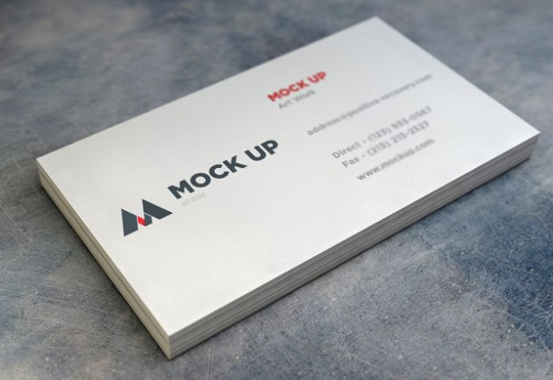 Realistic Business Card MockUp with Depth of Field