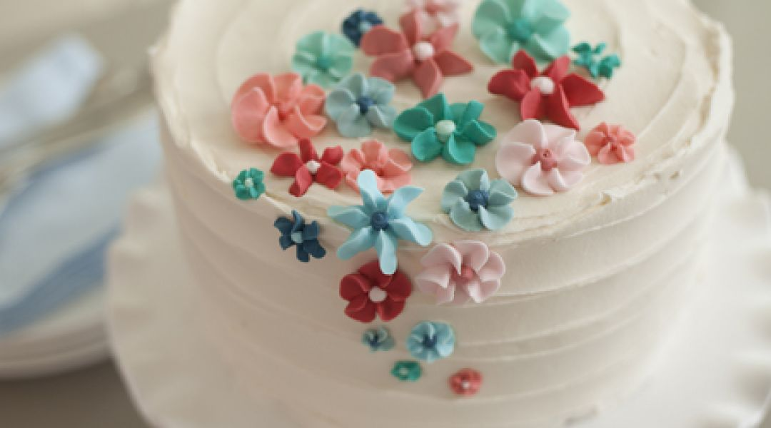 The Wilton Method Of Cake Decorating Easy Royal Icing