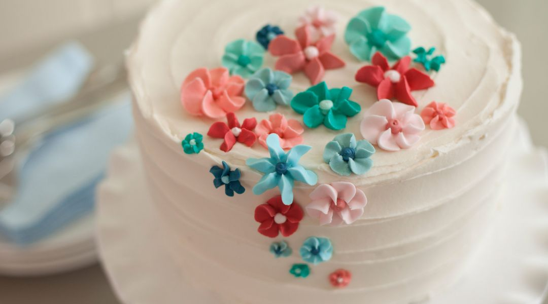 The Wilton Method of Cake Decorating by Wilton Instructors   Creativebug The Wilton Method of Cake Decorating