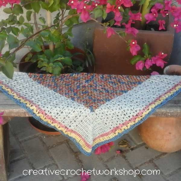 #AutumnSpringBlogHop2017 Turning Seasons Scarflet | Creative Crochet Workshop