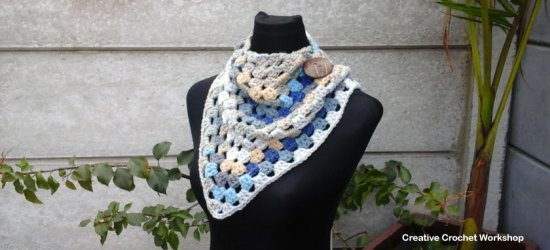 Blue Beach Chunky Granny Cowl - Free Crochet Pattern | Creative Crochet Workshop #ScarfoftheMonthClub2017