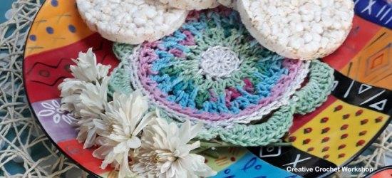 Odds & Ends Table Decor - Free Crochet Pattern   Creative Crochet Workshop @creativecrochetworkhop #freecrochetpattern