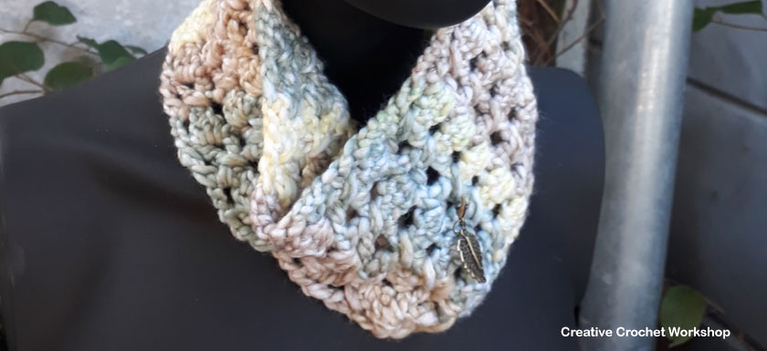 Spring Forest Cowl- Free Crochet Pattern   Creative Crochet Workshop #freecrochetpattern #scarfofthemonthclub2018