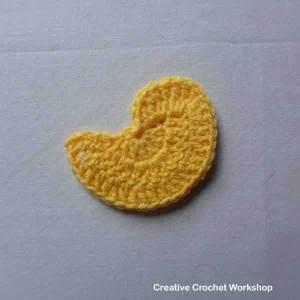 Crochet bird flower applique set | Creative Crochet Workshop #freecrochetpattern #crochet @creativecrochetworkshop