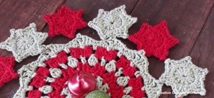Starry Christmas Doily - Free Crochet Pattern   Creative Crochet Workshop #freecrochetpattern #crochet #crochetsnowflake #crochetflower #christmas #holiday