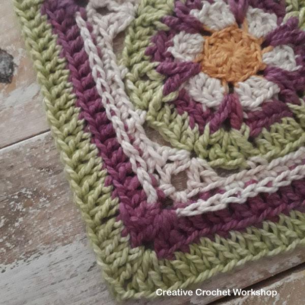 Boxed Magenta Flower Square - Free Crochet Pattern | Creative Crochet Workshop #freecrochetpattern #crochet #crochetsquare