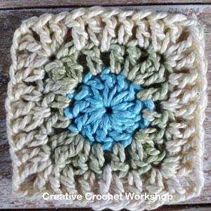 Mini Square It Square - Free Crochet Pattern | Creative Crochet Workshop @creativecrochetworkshop #freecrochetpattern #grannysquare #afghansquare #crochetalong #ccwscrapsrificrainbowblanket