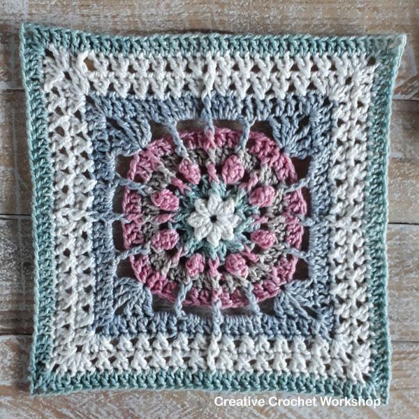 Aurora Afghan Square - Free Crochet Pattern   Creative Crochet Workshop @creativecrochetworkshop #freecrochetpattern #grannysquare #afghansquare #crochetalong #ccwcrochetablock2019
