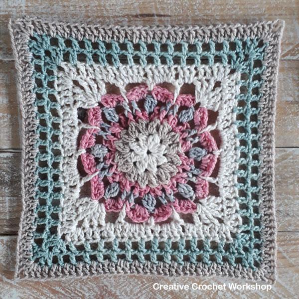 Laverna Afghan Square - Free Crochet Pattern   Creative Crochet Workshop @creativecrochetworkshop #freecrochetpattern #grannysquare #afghansquare #crochetalong #ccwcrochetablock2019