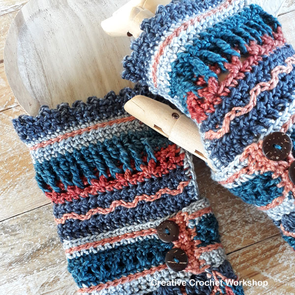 Rustic Boho Wrist Warmers - Free Crochet Pattern | Creative Crochet Workshop @creativecrochetworkshop #freecrochetpattern #crochetaccessories #bohocrochet #crochetwristwarmers