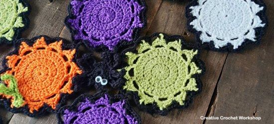 Halloween Color Mash Spider Runner - Free Crochet Pattern | Creative Crochet Workshop #freecrochetpattern #crochet #CALCentral #HalloweenCAL2019 @creativecrochetworkshop