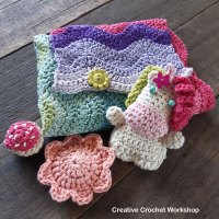 Fold Up Unicorn Crochet Play Sets | Free Crochet Along | Creative Crochet Workshop #crochet #crochetalong #crochetplay #crochetplayset #crochettoy #crochetunicorn