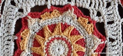 Stella Crochet Square - Free Crochet Pattern | Creative Crochet Workshop @creativecrochetworkshop #freecrochetpattern #grannysquare #afghansquare #crochetalong #ccwcassiopeiathrow