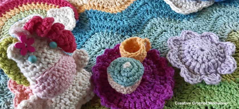 Fold Up Unicorn Crochet Play Set Part 3 | Free Crochet Along | Creative Crochet Workshop #crochet #crochetalong #crochetplay #crochetplayset #crochettoy #crochetunicorn