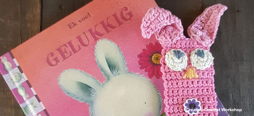 Cute Crochet Bunny Bookmark - Free Crochet Pattern | Creative Crochet Workshop #freecrochetpattern #crochet #crochetgift #crochetbunny #eastercrochet @creativecrochetworkshop