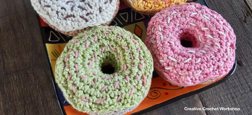 Crochet Donut Play Food - Free Crochet Pattern | Creative Crochet Workshop #freecrochetpattern #crochet #crochetfood #crochetdonut #playfood @creativecrochetworkshop