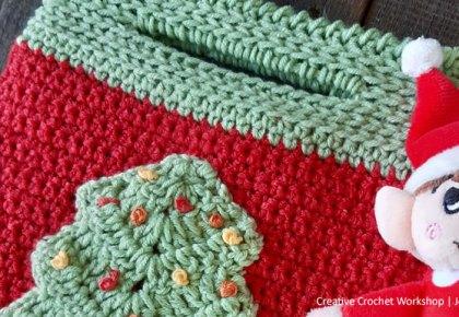 Merry Christmas Tree Crochet Gift Bag- Free Crochet Pattern | Creative Crochet Workshop #freecrochetpattern #crochet #crochetgifts #Christmascrochet @creativecrochetworkshop #CALCentralCrochet #HolidayStashdownCAL
