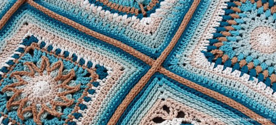 Layout And Joining - Crochet A Block 2021 | Creative Crochet Workshop @creativecrochetworkshop #crochetsquare #freecrochetalong #crochetblanket #crochetthrow #ccwcrochetablock2021