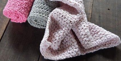 Ice Cream Trio Crochet Washcloth One - Free Crochet Along | Creative Crochet Workshop @creativecrochetworkshop #freecrochetalong #crochetblanket #crochetbabyjacket #crochetforbaby