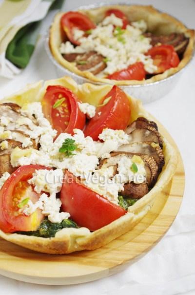 Tartaletas de espinacas, portobello, tomate y tofu