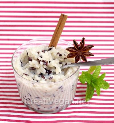 Arroz blanco y negro con leche de soja al cardamomo, anís estrellado y canela