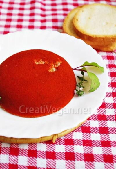 Queso vegano al ajo y cebollino con pimentón ahumado