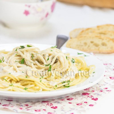 Pasta con crema de tofoie y hierbas