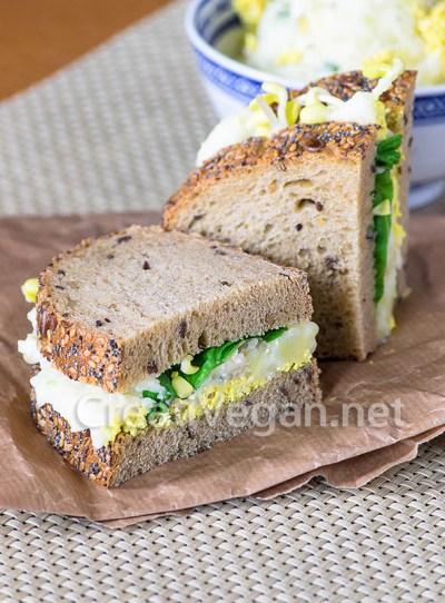 Sándwiches de ensalada de patata y pepino
