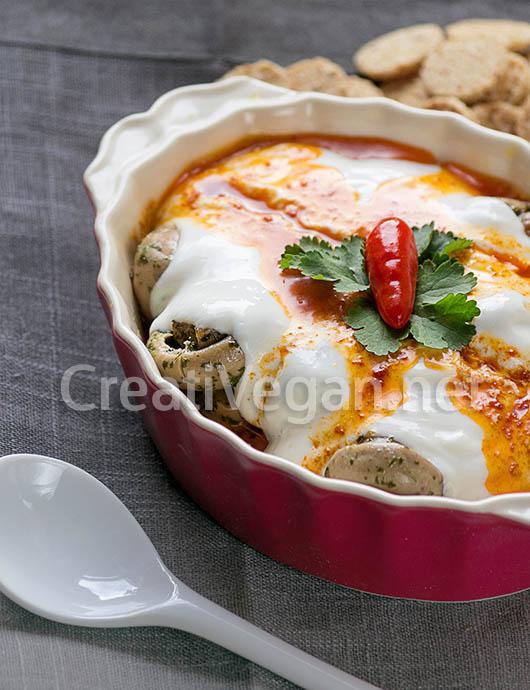 Yoğurtlu Mantar (champiñones con crema de yogur)