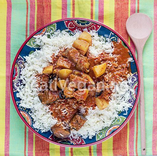 Maafe, guiso de verduras con salsa de cacahuete