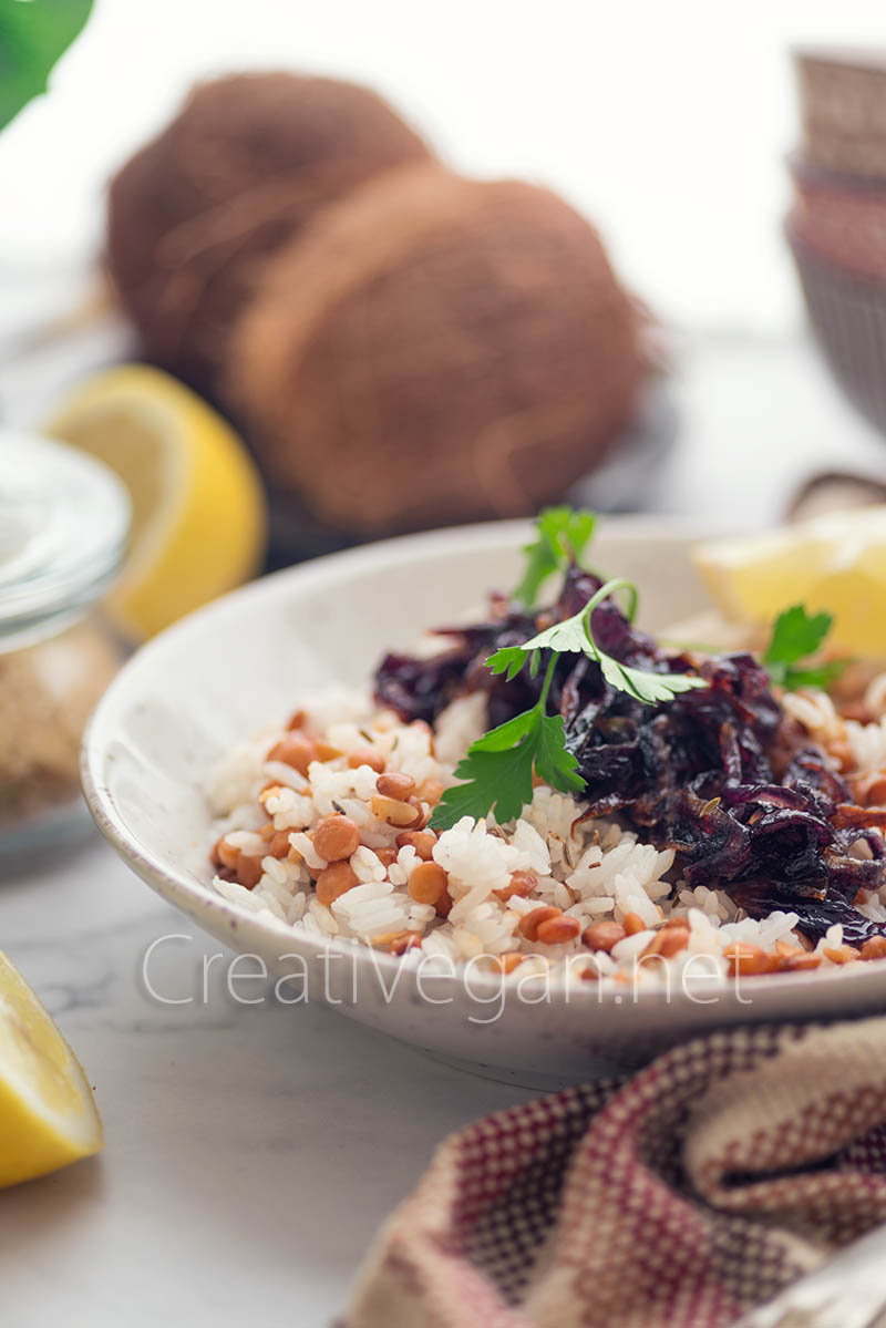 Mjadara, lentejas con arroz y cebolla caramelizada