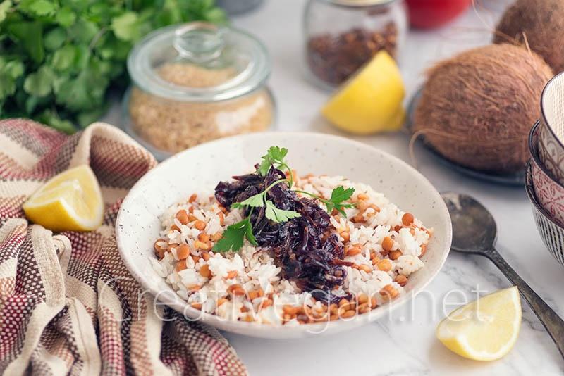 Mujaddara, lentejas con arroz y cebolla