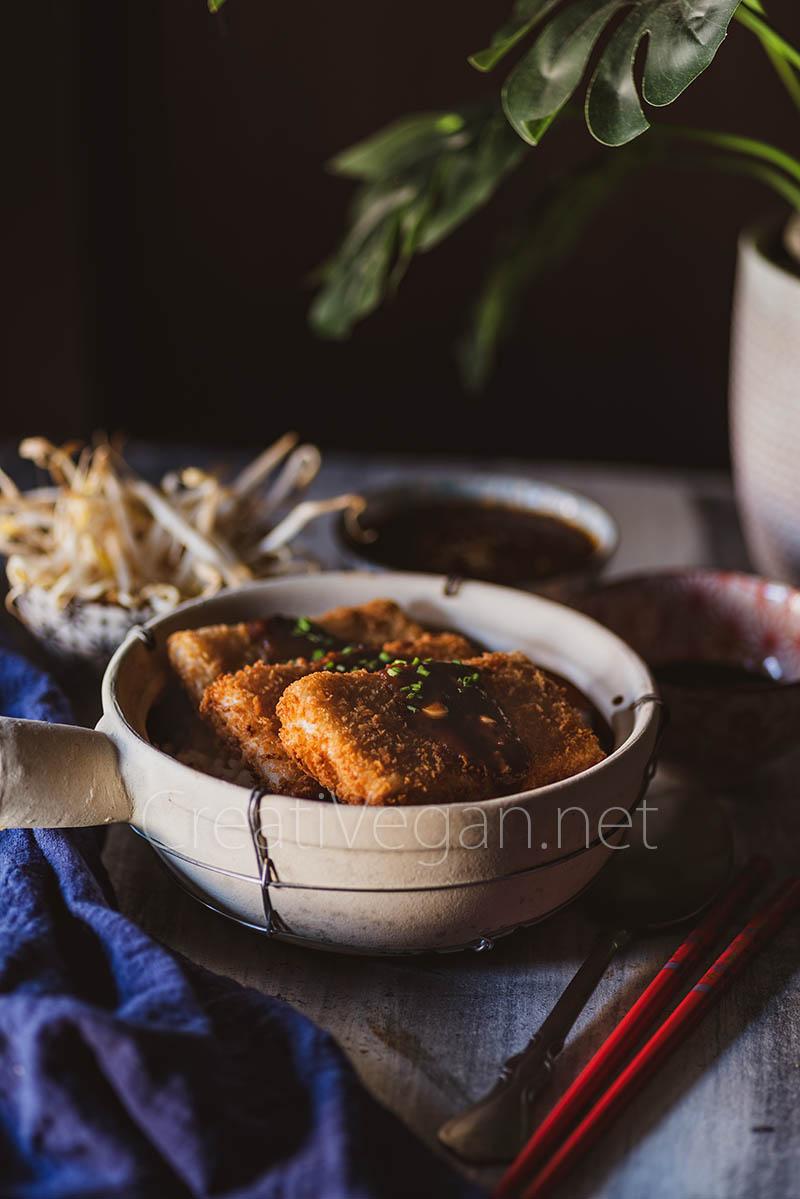 Tofu katsu con salsa
