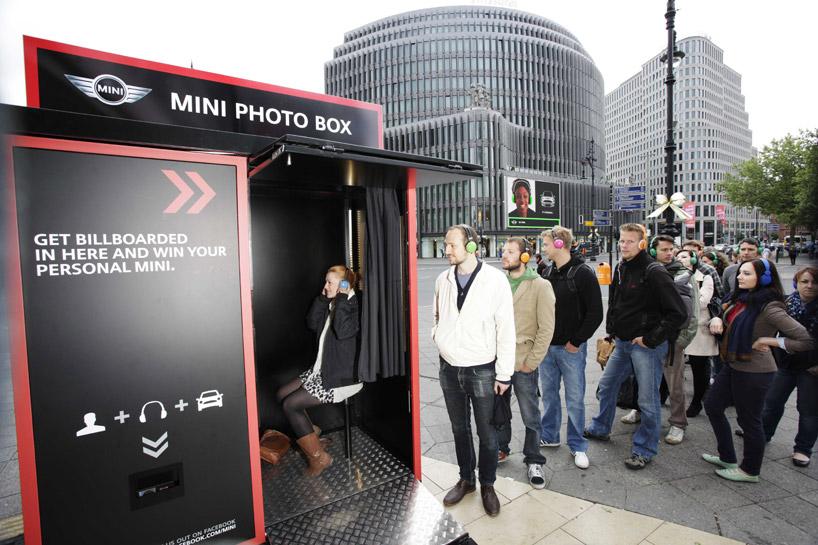 ecd5242c44991f3f07a851182fa01ce5 MINI Its Personal Photo Box Guerrilla Marketing Campaign Guerilla Marketing Example