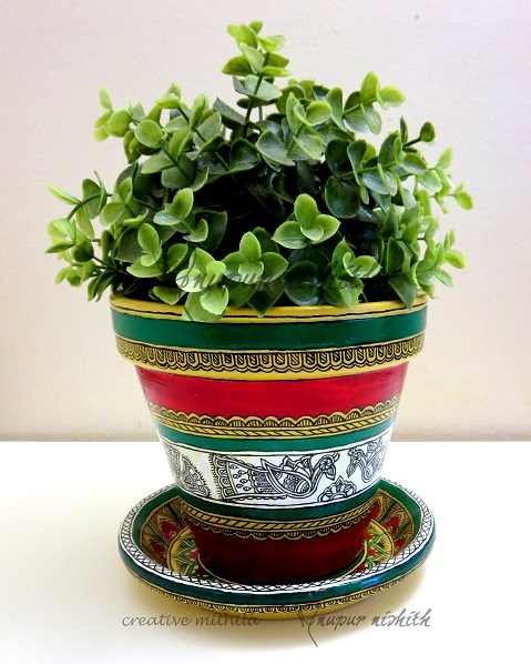 Plant pot with saucer painted in Mithila / Madhubani Painting (red)