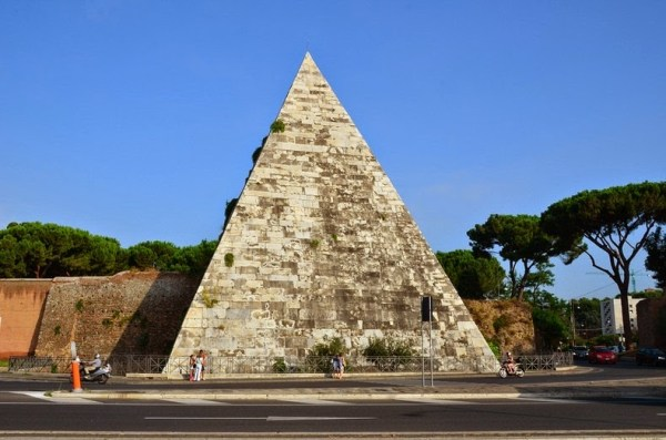 pyramid-of-cestius-16