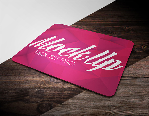 Free Mouse Pad Mock-up in PSD