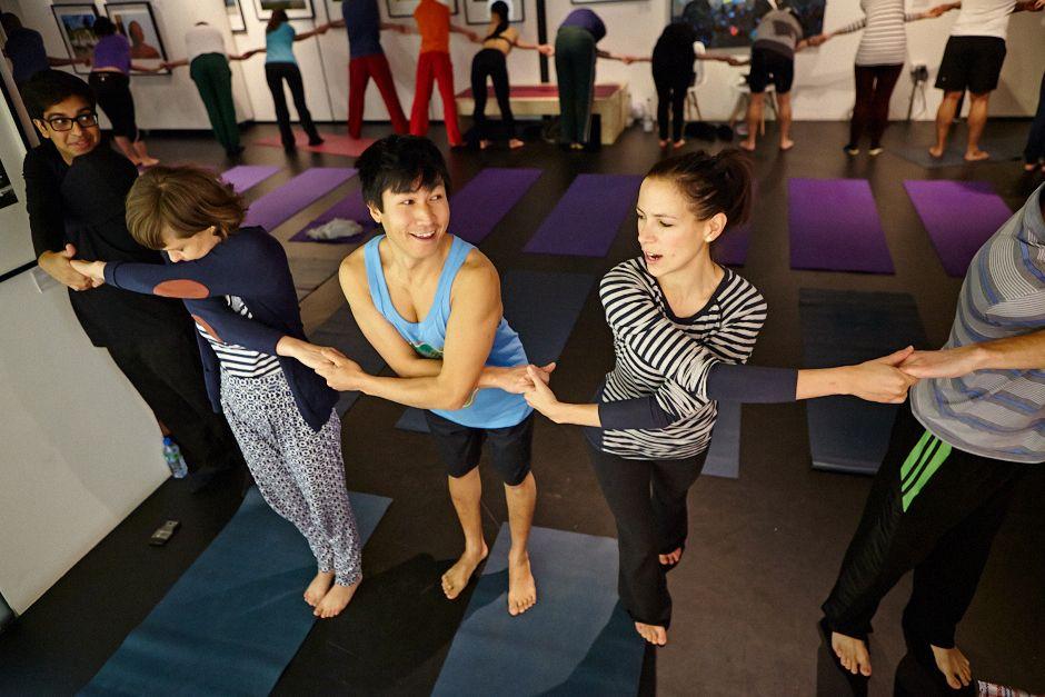 Singles Yoga with Richard Brook